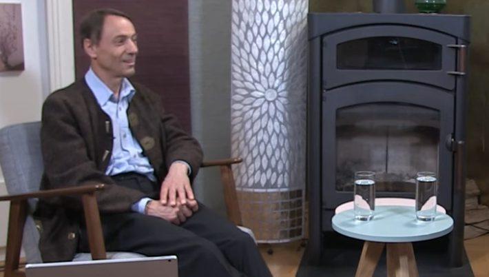 Facharzt Für Innere Medizin Und Universitätsprofessor Dr. Med. Andreas Sönnichsen Zu Gast Bei Doris Peczar Zum Kamingespräch.